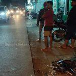2 Motor Matik 'Adu Banteng' di Jalan KH Muchtar Tabrani