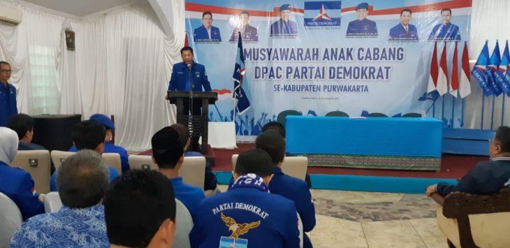 Ketua DPC Demokrat Purwakarta, H. Toto Puwanto Sandi, saat memberikan sambutan pada acara Musyawarah Anak Cabang (Musancab) Purwakarta Tahun 2019.