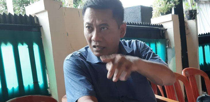 Ketua Demokrat Purwakarta, Toto Purwanto Sandi (TPS) saat berbincang santai tapi serius bareng pojokjabar.