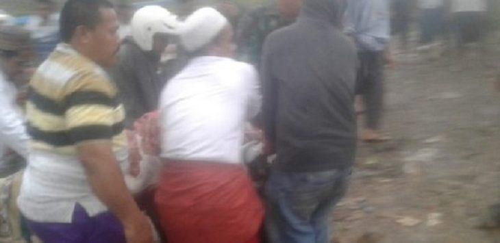 Evakuasi warga tersambar petir di Purwakarta, Jumat (27/12/2019)./Foto: Istimewa