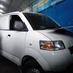 Mobil yang menabrak tempat uji KIR Dishub dan sepeda motor (adi)