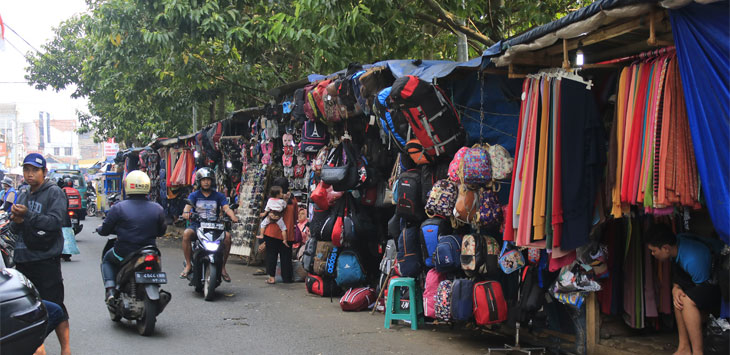Suasana di kawasan Jalan Ria Kota Cimahi belum lama ini.