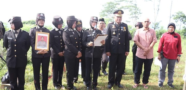 Polres Purwakarta hadiri pemakaman