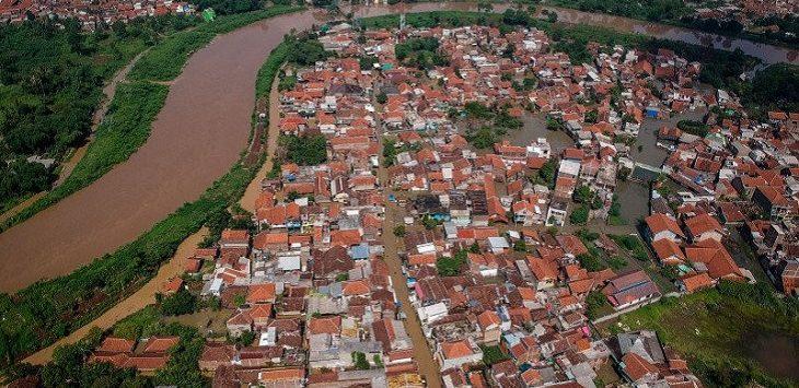 Banjir yang melanda Kampung Bojongasih, Dayeuhkolot, Kabupaten Bandung, Jawa Barat, Jumat (24/1/2020)./Foto: Istimewa