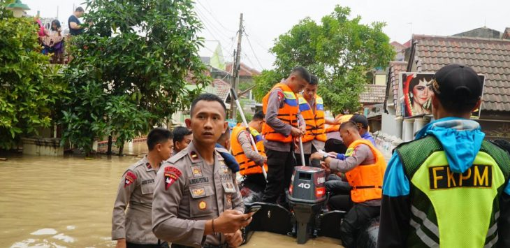 Banjir yang terjadi di kawasan Bandung Barat (ist)
