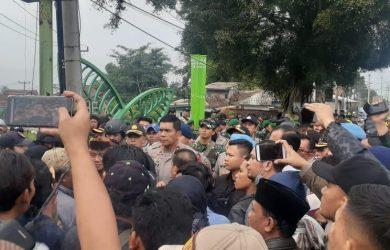 Bentrok di Sukabumi 1