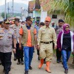 Kepala BNPB bersama Bupati Bogor dan pejabat lainnya meninjau longsor di Sukajaya Bogor (ist)