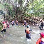 Pencarian korban hanyut di Sungai Cisindangbarang