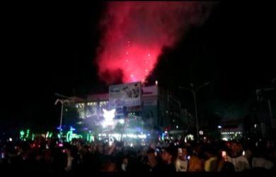 Pesta kembang api di Karawang dalam rangka Tahun Baru 2020 (ega)