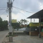 Tiang listrik PLN yang berdiri di atas lahan milik Edwin Mihardi (ist)