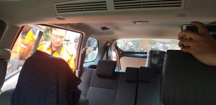 Tim Inafis Polrestabes Bandung menggeledah mobil mantan istri Sule, Lina Zubaedah (arf)