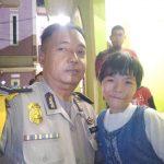 Anggota Polsek Cikarang Timur Pertemukan Anak yang Sempat Hilang dengan Keluarganya