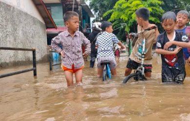 Bocah asal Kayuringin Tewas Terbawa Arus Deras Banjir