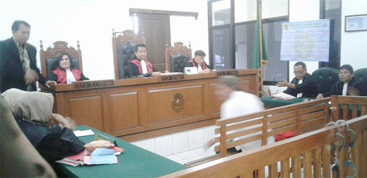 Majelis Hakim Pengadilan Negeri (PN) Depok, dalam amar putusannya menyatakan Direktur PT. Damtour, Hambali Abbas alias Abas (40) bersalah telah melakukan penggelapan. Radar Depok