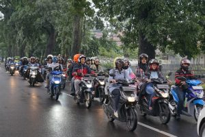 DAM mengajak pengguna Honda BeAT Series nonton bareng dan keliling Kota Bandung (ist)