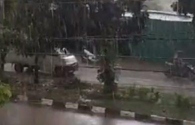 Hujan di Karawang
