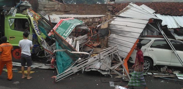 Kecelakaan di Gunungjati, Cirebon, Selasa (11/2/2020)./Foto: Istimewa