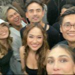 Luna Maya bersama beberapa artis saat ziarah ke mendiang suami BCL