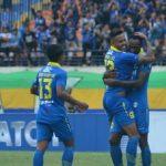 Para pemain Persib Bandung melakukan selebrasi