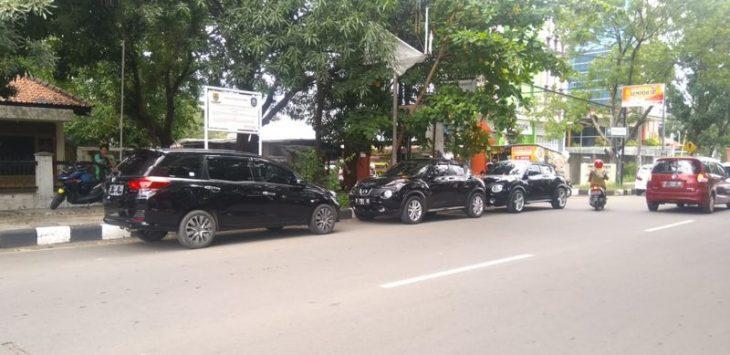 Parkir liar di Cirebon./Foto: Rmol