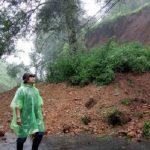 Tebingan Gunung Mas Puncak alami longsor
