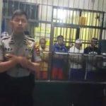 Bripda Asep imami tahanan di Sukabumi sholat berjamaah (ist)