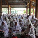 Ibu-ibu Majelis Ta'lim se-Kabupaten Karawang (ist)
