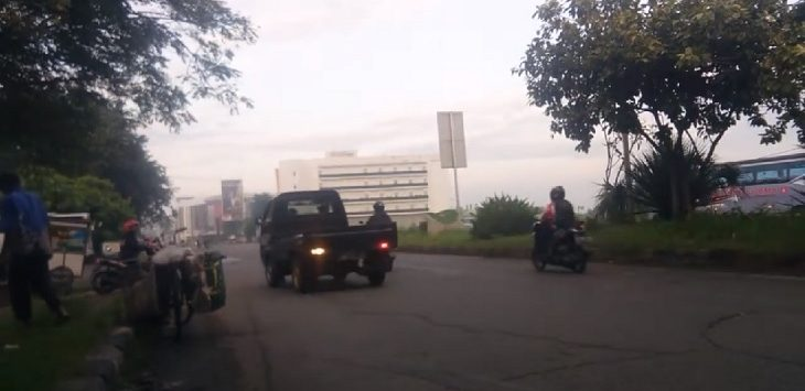 Situasi di Jalan Interchange, Karawang Barat, Selasa (31/3/2020) pagi./Foto: Ega