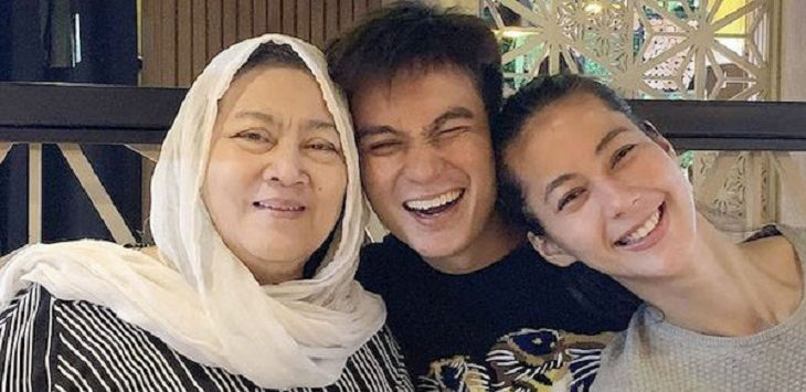 Momen kebersamaan Baim Wong bersama ibunya./Foto: Istimewa