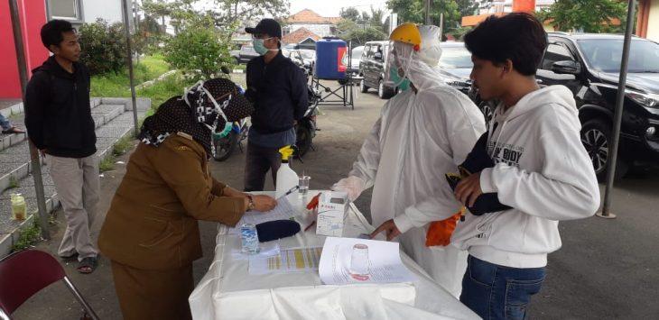 Rapid tes Corona Kabupaten Karawang, Selasa (31/3/2020)./Foto: Istimewa