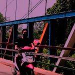 Jembatan gantung Telukjambe Timur