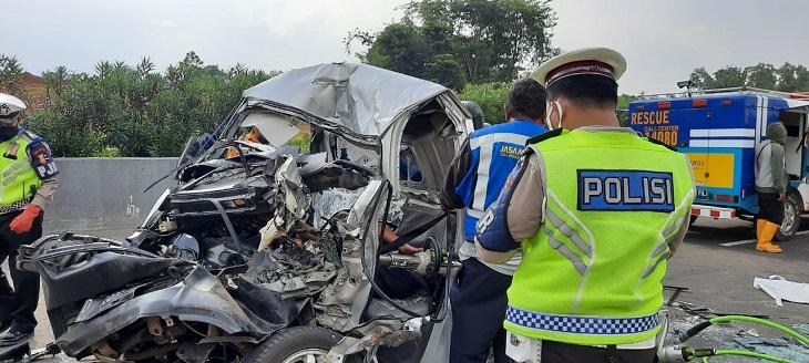 Kecelakaan di Tol Cipularang./Foto: Istimewa