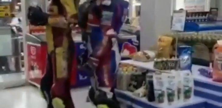 Pembalap Cirebon saat di minimarket, Senin (27/4/2020) /Foto: Istimewa