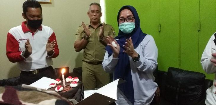 Wakil Wali Kota Cirebon dapat kejutan dari relawan. Dede