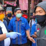 Pepen Datangi Pasar Wisma Asri, Sampaikan Langsung Hasil Swab Test kepada Pedagang