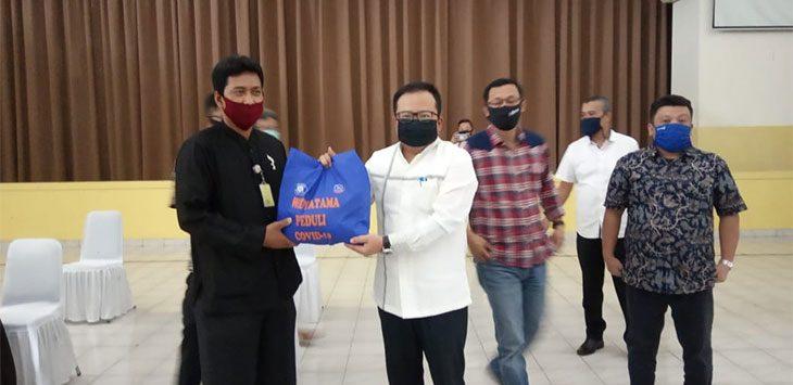 Universitas Widyatama Bagikan 1000 Paket Sembako Bagi Warga Terdampak Covid19