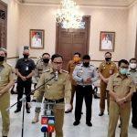 Walikota Bogor Bima Arya bersama jajarannya saat menyampaikan PSBB diperpanjang (ist)
