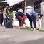 Bersih-bersih di Desa Babakan, Cirebon