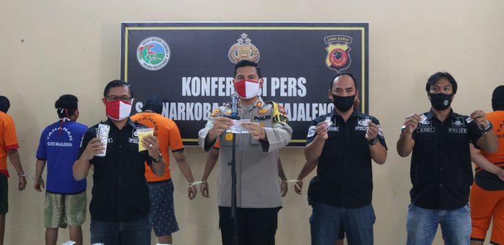 Jajaran Sat Narkoba Polres Majalengka berhasil mengungkap kasus peredaeran narkoba di kabupaten Majalengka.