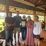 Ketua DPRD Kabupaten Bogor bersama mantan pelatih Timnas Mc Menemy (ist)