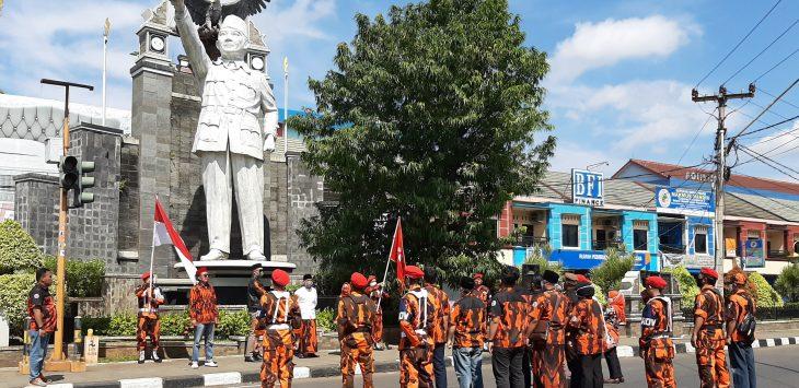 Puluhan Pemuda Pancasila Peringati hari kesaktian pancasila.