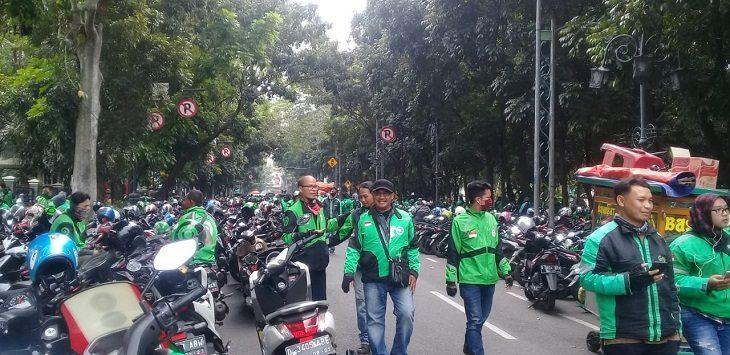 Demo driver ojol di Bandung, Senin (13/7/2020)./Foto: Arief
