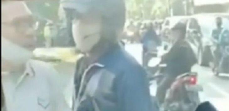 Beredar video rekaman mobil ambulan dihadang pengendara motor di Jalan Raya Sawangan, Kelurahan Rangkapanjaya Baru, Pancoranmas Depok, Sabtu (11/7/2020).