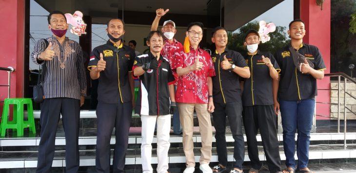 Foto bersama Paguyuban Sosial Marga Tionghoa (PSMTI) Kota Cirebon dan Laskar Agung Macan Ali. Dede