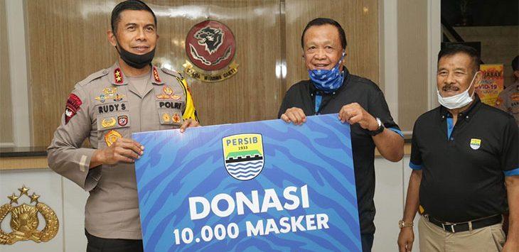 Persib Bandung Sumbang 250 APD dan 10.000 Masker ke Polda Jabar
