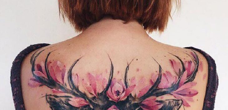 Ilustrasi tato di punggung (sumber: boredpanda)./Foto: Istimewa