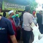 Aksi warga Tanjungsari Viral