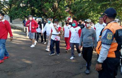 Bobats menggelar acara jalan sehat di Cibinong