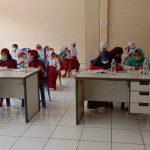 Dapat Wifi Gratis, Siswa Belajar di Aula Desa Simpangan