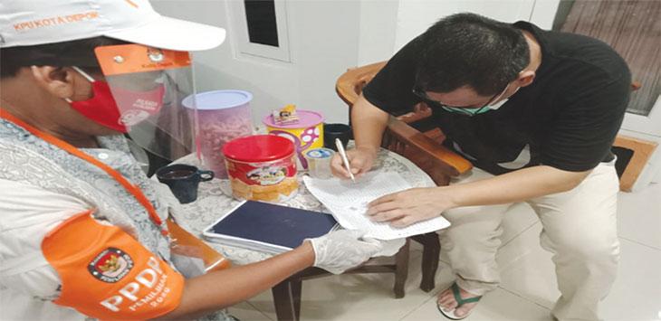 Petugas Pemutakhiran Data Pemilih (PPDP) tengah melakukan Pencocokan dan Penelitian (Coklit), beberapa waktu lalu.